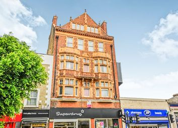 1 bed flat for sale in High Road, London N12