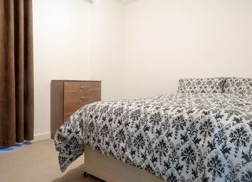 Near Bromley By Bow Station, Tower Hamlets E14. Room to rent          Just added