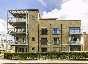 Thumbnail 2 bed flat to rent in Southcott Road, Teddington