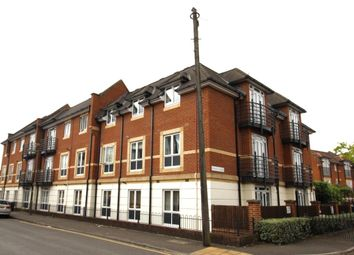 Thumbnail 2 bedroom flat to rent in Denham Road, Egham