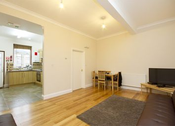 4 bed flat to rent in High Street, London W3