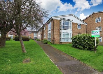 Thumbnail 2 bed flat for sale in New Street, Horsham