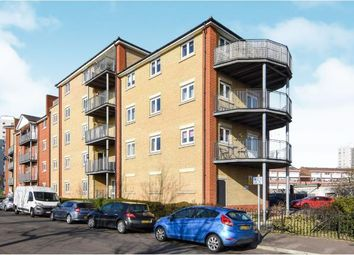 Thumbnail 2 bedroom flat for sale in Thames Road, Grays