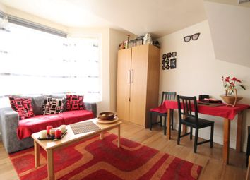 Thumbnail 2 bedroom flat to rent in Melville Road, Walthamstow