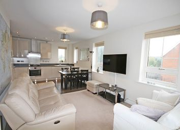 Thumbnail 2 bed flat for sale in Swallowfield Court, Maidenhead