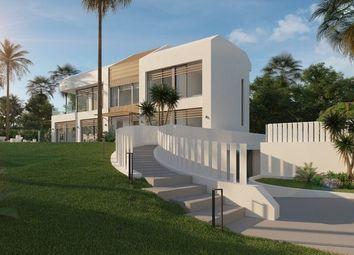 Thumbnail 5 bed villa for sale in El Saladillo, New Golden Mile, Estepona