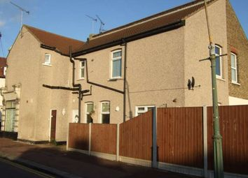 Thumbnail 1 bedroom flat to rent in Glendale Gardens, Leigh-On-Sea