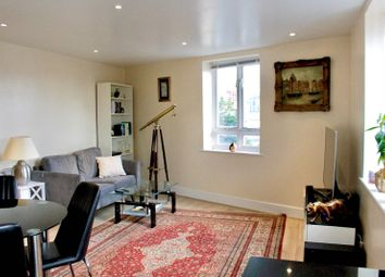 Thumbnail 1 bed flat to rent in Old South Lambeth Road, London