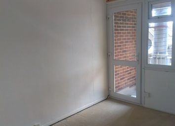 2 bed flat to rent in Shirley Avenue, Chatham ME5