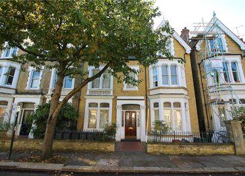 Thumbnail Studio to rent in Walpole Gardens, Chiswick