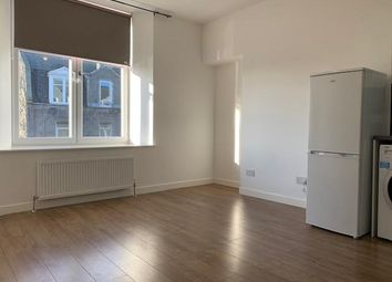 2 bed flat to rent in Menzies Road, Aberdeen AB11