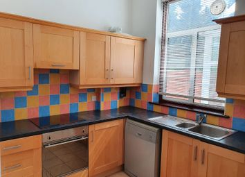 2 bed maisonette to rent in Station Road, London NW4