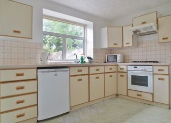 Thumbnail 3 bed flat to rent in Milner Road, Brighton