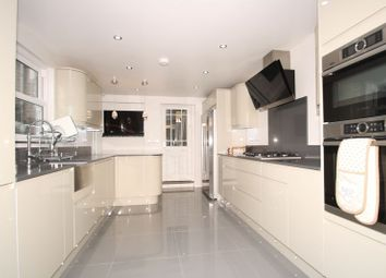 Thumbnail 5 bed flat to rent in Perch Street, London