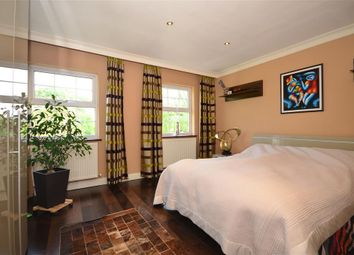 Thumbnail 4 bedroom town house for sale in High Road, Chigwell, Essex