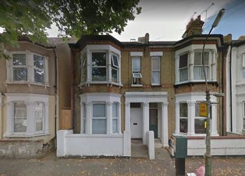 Thumbnail 3 bedroom flat to rent in Napier Avenue, Southend-On-Sea