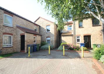 2 bed flat to rent in Hadleigh Court, Cambridge CB5