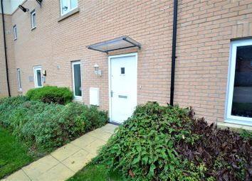 Thumbnail 2 bed flat for sale in Stanley Avenue, Cambridge