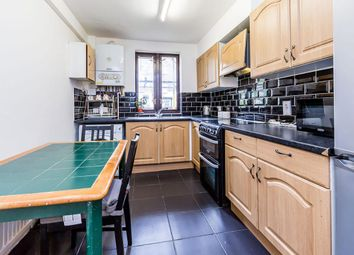 Thumbnail 4 bed flat to rent in Richmond Grove, Islington
