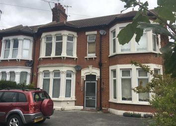 Thumbnail 1 bedroom flat to rent in Kilworth Avenue, Southend On Sea, Essex