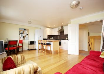 3 bed flat for sale in Upper Tollington Park, London N4