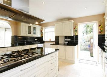 Thumbnail 4 bed town house to rent in Heatherdale Close, Kingston Upon Thames