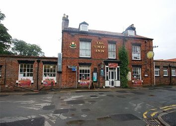 Thumbnail Pub/bar for sale in Cliff Road, Bridlington