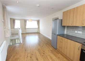 Thumbnail 3 bedroom flat to rent in Hedge Lane, Palmers Green, London