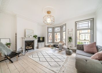 Glengarry Road, East Dulwich SE22. 3 bed flat for sale