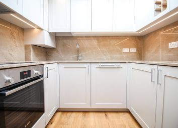 3 bed flat to rent in Bridge Road, East Molesey KT8