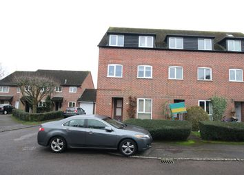 Thumbnail 1 bed flat to rent in Crawford Place, Newbury