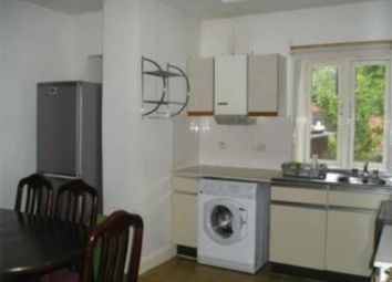 Thumbnail 4 bed flat to rent in New North Road, Islington, London