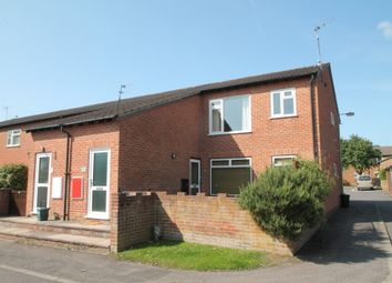Thumbnail 2 bed flat to rent in Sadlers Court, Abingdon
