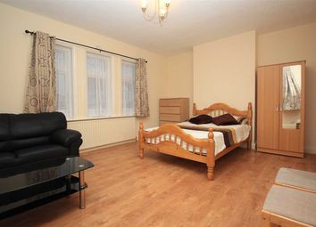 Thumbnail 2 bed flat to rent in Blockley Road, Wembley