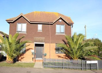 3 bed property to rent in Courtenay Road, Deal CT14