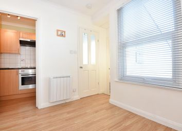 Thumbnail 1 bedroom flat to rent in St. Lukes Road, Maidenhead