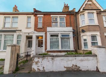 Thumbnail 1 bed flat for sale in Central Avenue, Southend-On-Sea