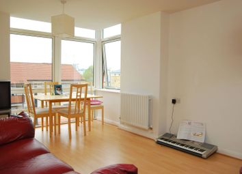 2 bed flat for sale in Fairlead House, Canary Wharf E14