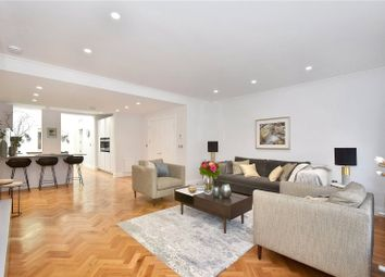 Thumbnail 3 bed flat to rent in Albemarle Street, London