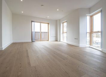 Thumbnail 3 bed flat to rent in Kingsland Road, Shoreditch