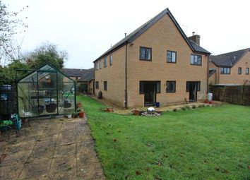Thumbnail 4 bed detached house to rent in Walnut Close, Culworth, Banbury