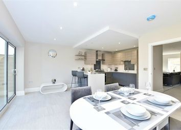 4 bed town house for sale in Kingsway Mews, Farnham Common, Slough SL2