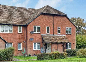1 bed maisonette to rent in Vesey Close, Farnborough GU14