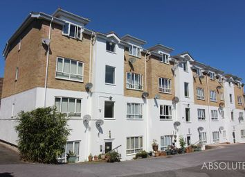 Thumbnail 2 bed flat to rent in Hele Road, Torquay
