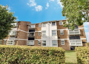 London Road, Hadleigh SS7. 2 bed flat