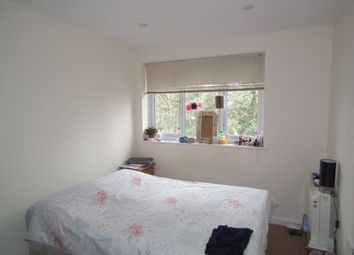 Thumbnail Room to rent in Prince Avenue, Westcliff-On-Sea