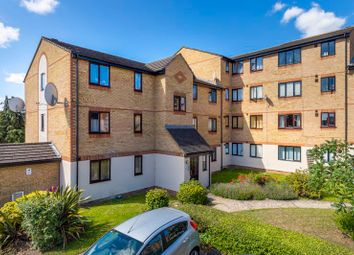 Thumbnail 2 bed flat for sale in Linwood Crescent, Enfield