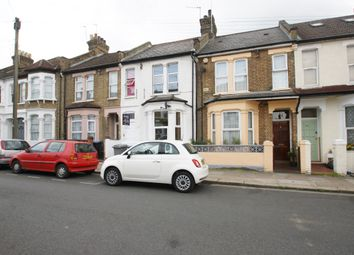 2 bed flat to rent in Bolton Road, Harlesden, London NW10