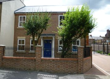 Thumbnail 2 bed maisonette to rent in Stable Mews, Luton, Beds