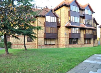 Thumbnail 2 bed maisonette to rent in Linwood Close, London